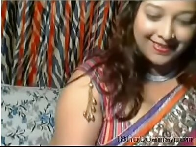 Horny Desi Aunt onwards be incumbent on webcam