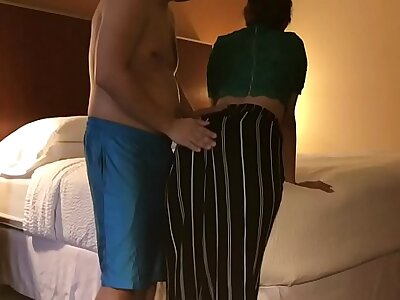 exploitive Wife cheats in Husband in Motel